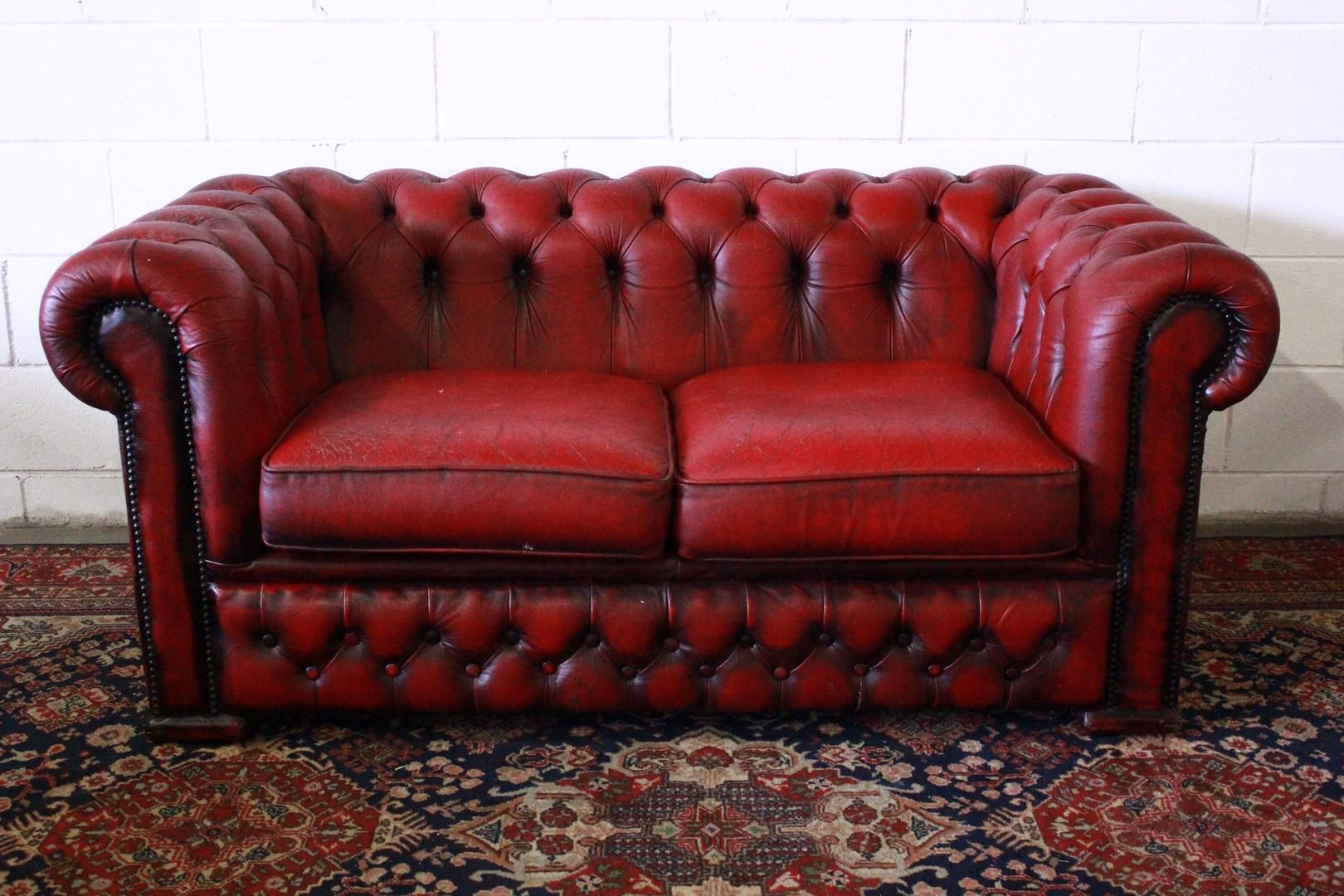 Divano chesterfield chester inglese 2 posti colore for Divano in inglese
