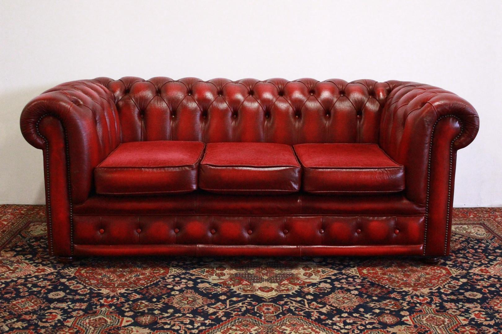 Divano Inglese Chesterfield.Dettagli Su Divano 3 Posti Chesterfield Chester Club Originale Inglese In Pelle Bordeaux