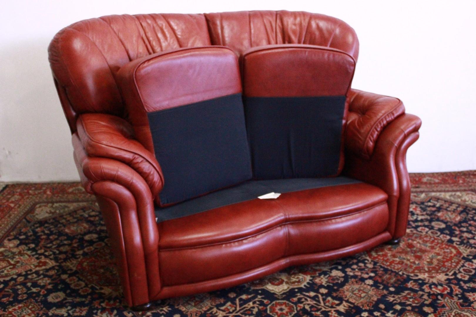 Divano 2 posti originale inglese in pelle mattone 728 divani originali chesterfield brescia - Divano in inglese ...
